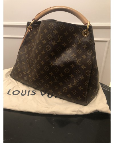 Louis Vuitton Artsy...