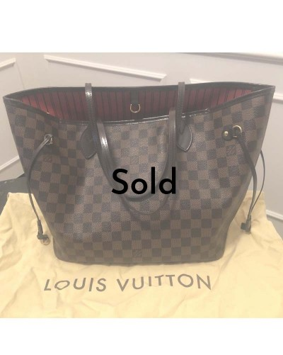 Louis Vuitton Neverfull MM...
