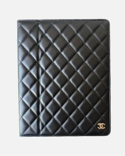 Chanel etui na iPada